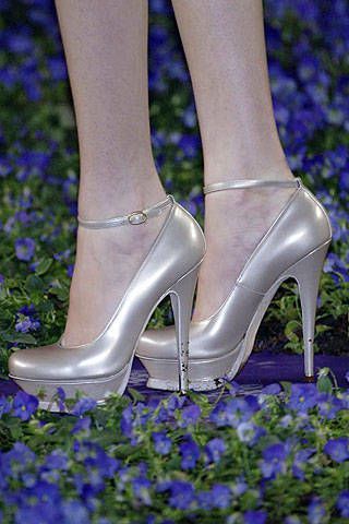 Yves Saint Laurent Spring 2007 Ready-to-wear Detail 0002