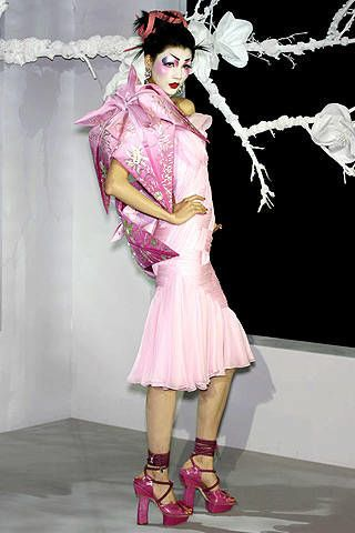 Christian Dior Spring 2007 Haute Couture Collections - 003