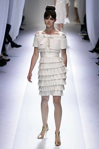 Valentino Spring 2007 Haute Couture Collections - 002