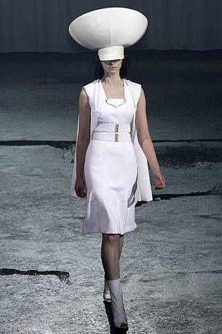 Givenchy Spring 2007 Haute Couture Collections - 003