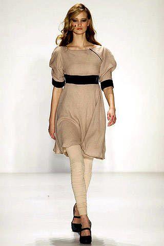 Venexiana Fall 2007 Ready-to-wear Collections - 002