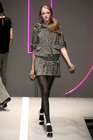 DKNY Fall 2007 Ready-to-wear Collections - 003