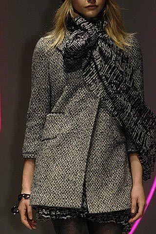 DKNY Fall 2007 Ready-to-wear Detail - 002