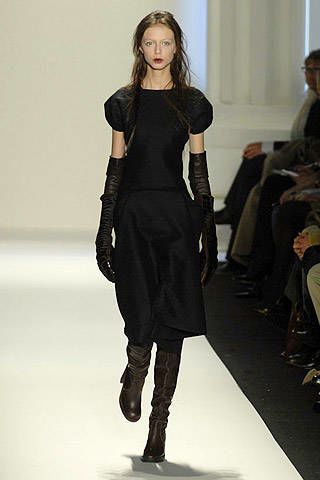 Vera Wang Fall 2007 Ready-to-wear Collections - 002
