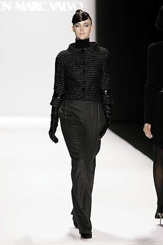 Carmen Marc Valvo Fall 2007 Ready-to-wear Collections - 003