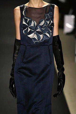 Clothing, Sleeve, Formal wear, Fashion model, Style, Dress, Fashion show, Fashion, Black, One-piece garment,