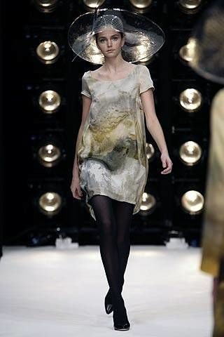 Clothing, Human, Style, Fashion model, Dress, Fashion show, Runway, Fashion, Beauty, Thigh,