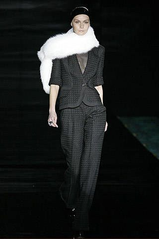 Julien Macdonald Fall 2007 Ready-to-wear Collections - 003