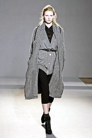 Nicole Farhi Fall 2007 Ready-to-wear Collections - 003