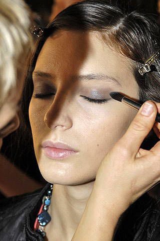Ashley Isham Fall 2007 Ready-to-wear Backstage - 002