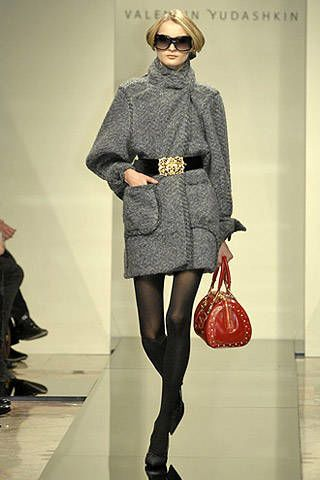 Valentin Yudashkin Fall 2007 Ready-to-wear Collections - 003