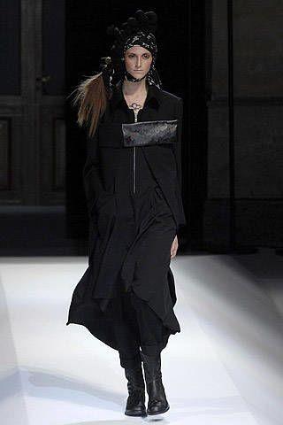 Yohji Yamamoto Fall 2007 Ready-to-wear Collections - 002