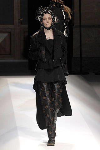 Yohji Yamamoto Fall 2007 Ready-to-wear Collections - 003