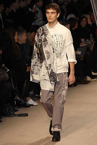 Issey Miyake Fall 2007 Ready&#45&#x3B;to&#45&#x3B;wear Collections &#45&#x3B; 002