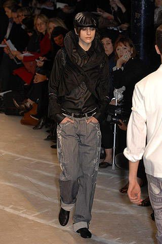 Issey Miyake Fall 2007 Ready&#45&#x3B;to&#45&#x3B;wear Collections &#45&#x3B; 003