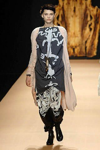 Vivienne Westwood Fall 2007 Ready-to-wear Collections - 003