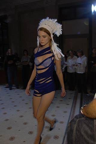 A.F. Vandevorst Spring 2007 Ready&#45&#x3B;to&#45&#x3B;wear Backstage 0001