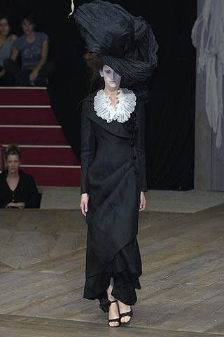 Alexander McQueen Spring 2007 Ready&#45&#x3B;to&#45&#x3B;wear Collections 0001
