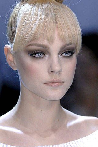 Valentino Spring 2007 Haute Couture Detail - 001