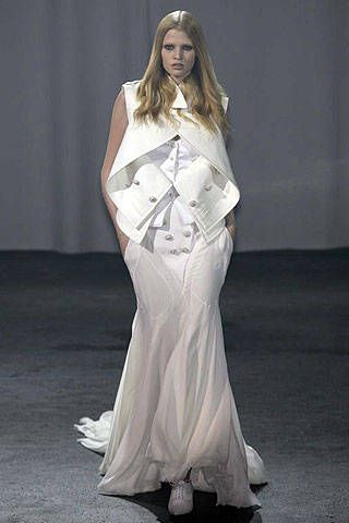 Givenchy Spring 2007 Haute Couture Collections - 001