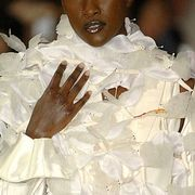 Maurizio Galante Spring 2007 Haute Couture Detail - 001