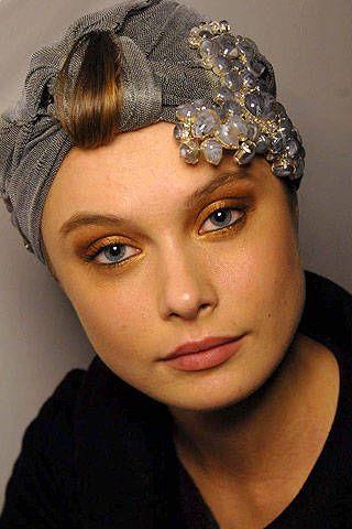 Giorgio Armani PrivÃ{{{copy}}} Spring 2007 Haute Couture Backstage - 001