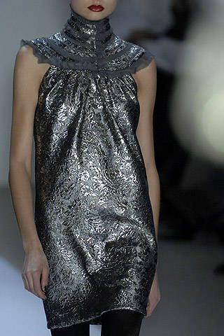 Monique Lhuillier Fall 2007 Ready-to-wear Detail - 001