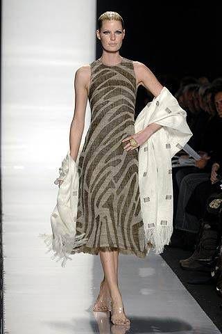 Chado Ralph Rucci Fall 2007 Ready&#45&#x3B;to&#45&#x3B;wear Collections &#45&#x3B; 001
