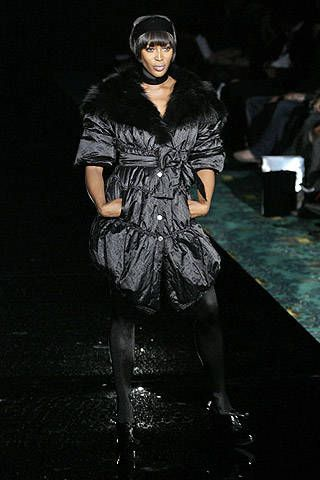 Julien Macdonald Fall 2007 Ready-to-wear Collections - 001