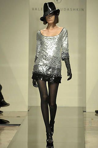 Valentin Yudashkin Fall 2007 Ready-to-wear Collections - 001