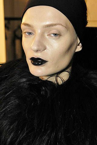 Krizia Fall 2007 Ready-to-wear Backstage - 001