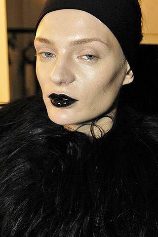 Krizia Fall 2007 Ready-to-wear Backstage - 001