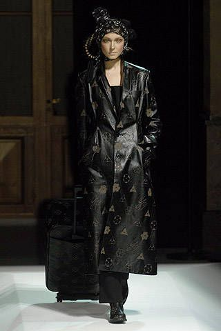 Yohji Yamamoto Fall 2007 Ready-to-wear Collections - 001