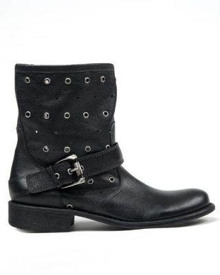Carlos boot