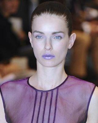 model modernist fashion show
