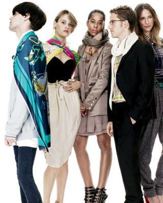 Clothing, Leg, Sleeve, Trousers, Collar, Outerwear, Coat, Formal wear, Style, Jacket,