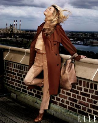 Bag, Jacket, Street fashion, Blond, Long hair, Leather, Overcoat, Boot, Trench coat, Duster,