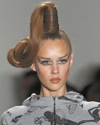 Jeremy Scott Fall 2010 Makeup