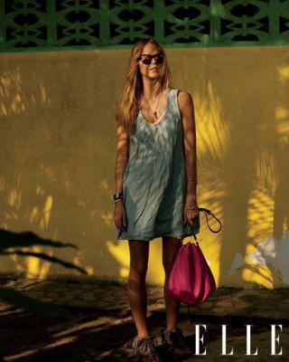 Sunglasses, Photograph, Bag, Style, Fashion accessory, Dress, Fashion, Street fashion, Beauty, Luggage and bags,