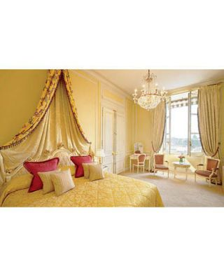 hotel crillon bedroom