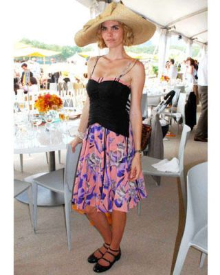 Clothing, Shoulder, Textile, Hat, Style, Furniture, Fashion, Sun hat, Dress, Waist,