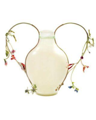 vase with silk flowers by Studio Wieki Somers