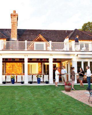 Property, Lawn, Flowerpot, Outdoor furniture, Porch, Door, Chimney, Yard, Mansion, Villa,