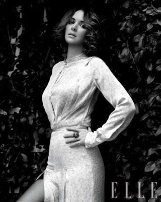 Hairstyle, Sleeve, Dress, Style, Formal wear, One-piece garment, Monochrome photography, Monochrome, Day dress, Black-and-white,