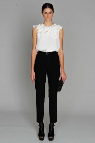 Clothing, Brown, Human body, Sleeve, Shoulder, Human leg, Textile, Standing, Joint, Waist,