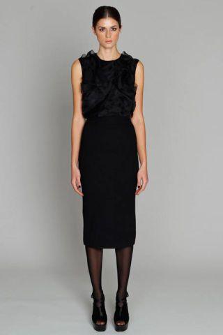 Clothing, Sleeve, Human leg, Dress, Shoulder, Standing, Joint, White, One-piece garment, Formal wear,