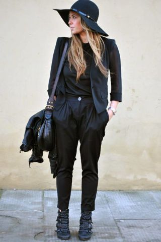 Clothing, Sleeve, Hat, Shoulder, Bag, Textile, Joint, Outerwear, Style, Street fashion,