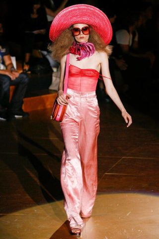 Hat, Style, Headgear, Costume accessory, Sun hat, Fashion accessory, Fashion, Fashion show, Waist, Runway,