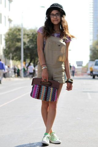 Clothing, Shoulder, Textile, Bag, Style, Street fashion, Fashion accessory, Pattern, Fashion, Knee,