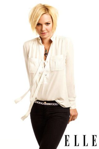 Product, Hairstyle, Collar, Sleeve, Trousers, Denim, Dress shirt, Shoulder, Shirt, Standing,